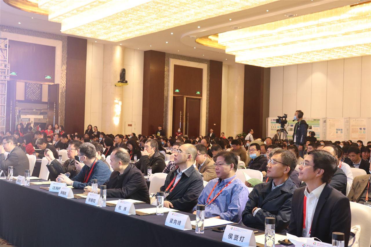促进我国光谱事业发展 第21届全国分子光谱学学术会议在成都举办